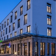 Neubau Holiday Inn / Holiday Inn Express in München mit 321 Zimmern
