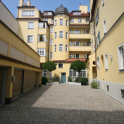 Generalsanierung diverser Altstadthäuser in Regensburg mit 6 – 40 Wohneinheiten